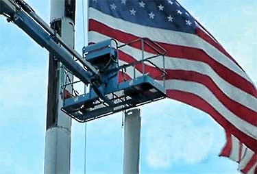 Tower tower climbers injured when man lift fails in Massachusetts
