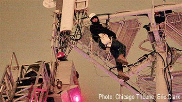 Tower climber rescued in Chicag, Illinois