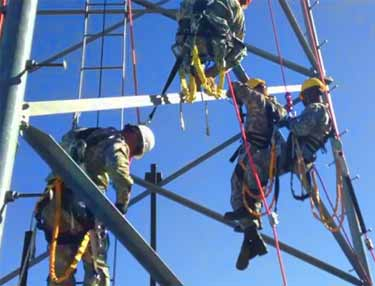 Army starts training its soldiers to do tower work once performed by civilian contractors