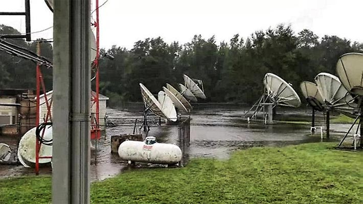 WCTI-TV NewsChannel 12 in New Bern, N.C., was forced to evacuate due to Hurricane Florence. While broadcasting their studios started filling up with water.